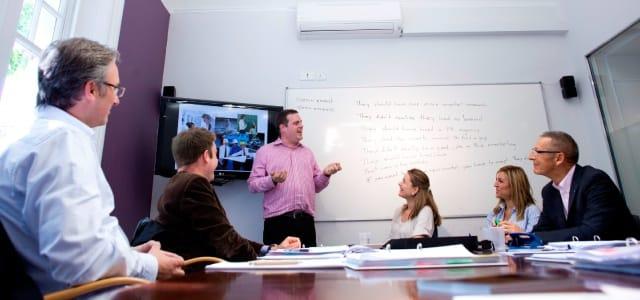 短期で効率よくビジネス英語を学ぶ